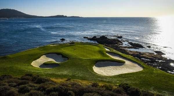 圆石滩高尔夫球场