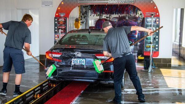 人工洗车 Hand Car Wash