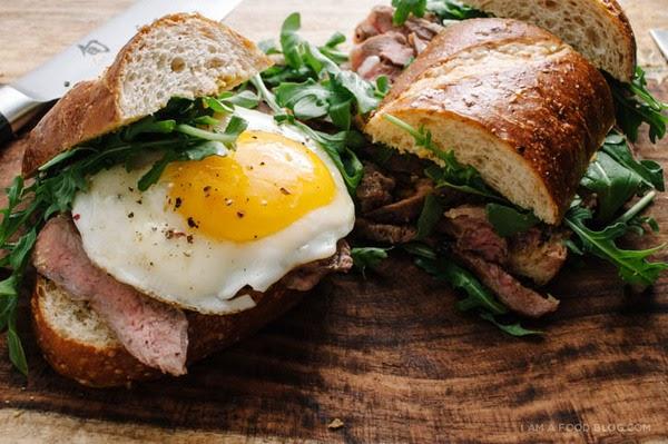 早餐:黑咖啡配牛肉鸡蛋吐司