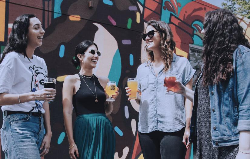 Skupina žen na party