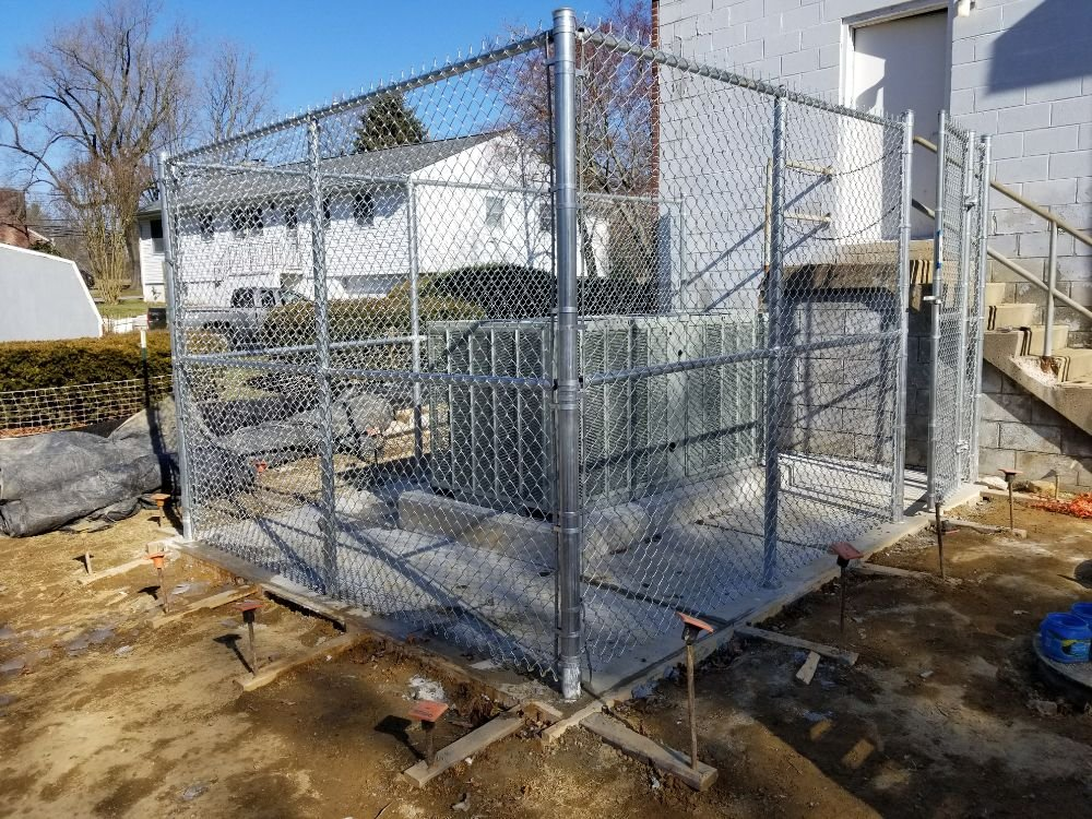 8ft Commercial Galvanized Chain Link Fence with Top & Middle Rail in Darlington, MD
