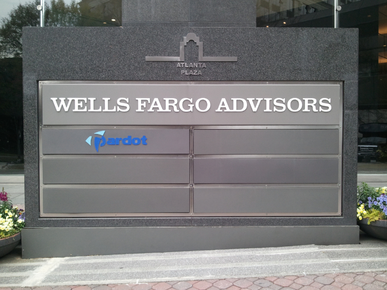 wells fargo advisors sign