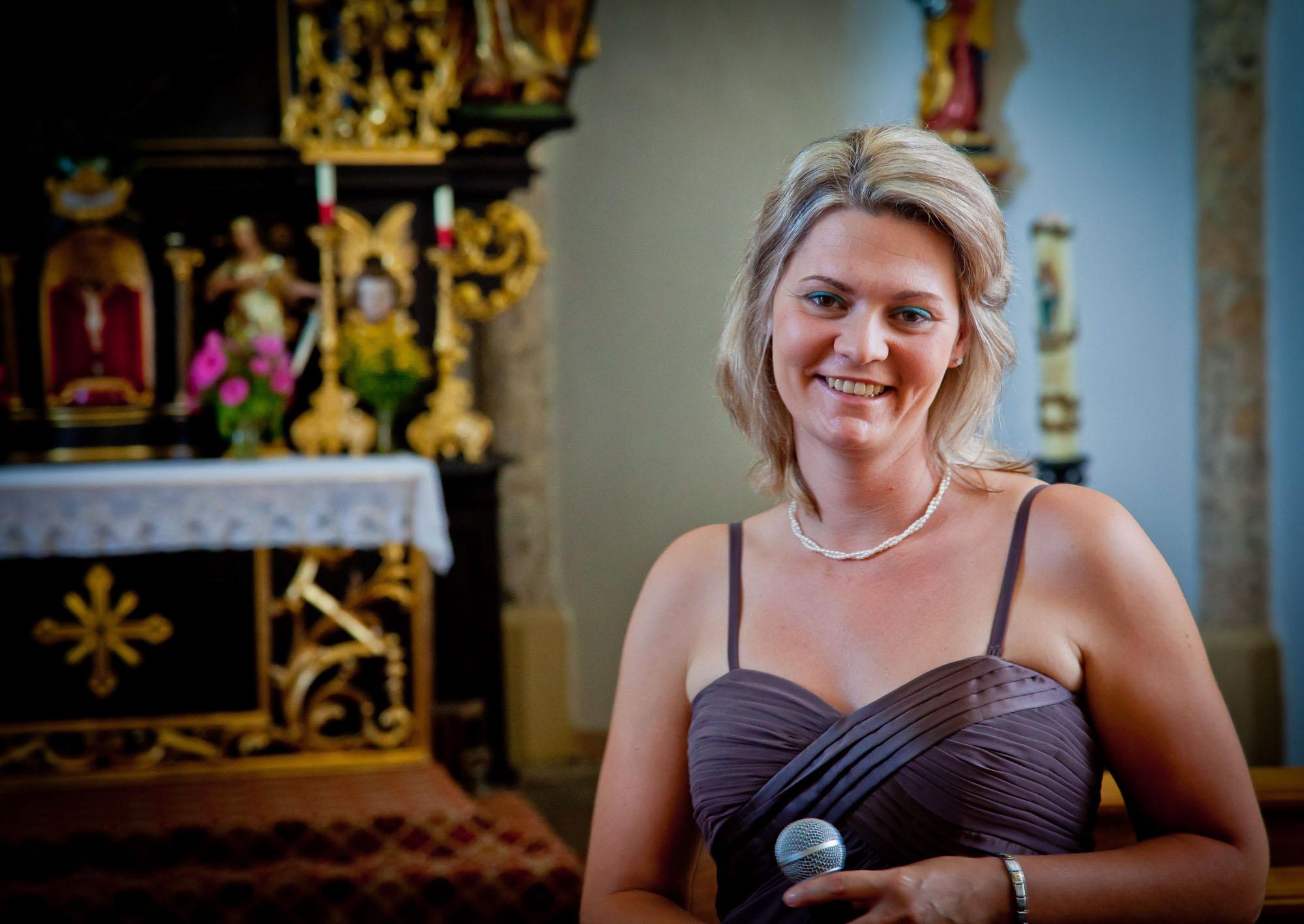 Hochzeits-Sängerin Ninja Habietinek
