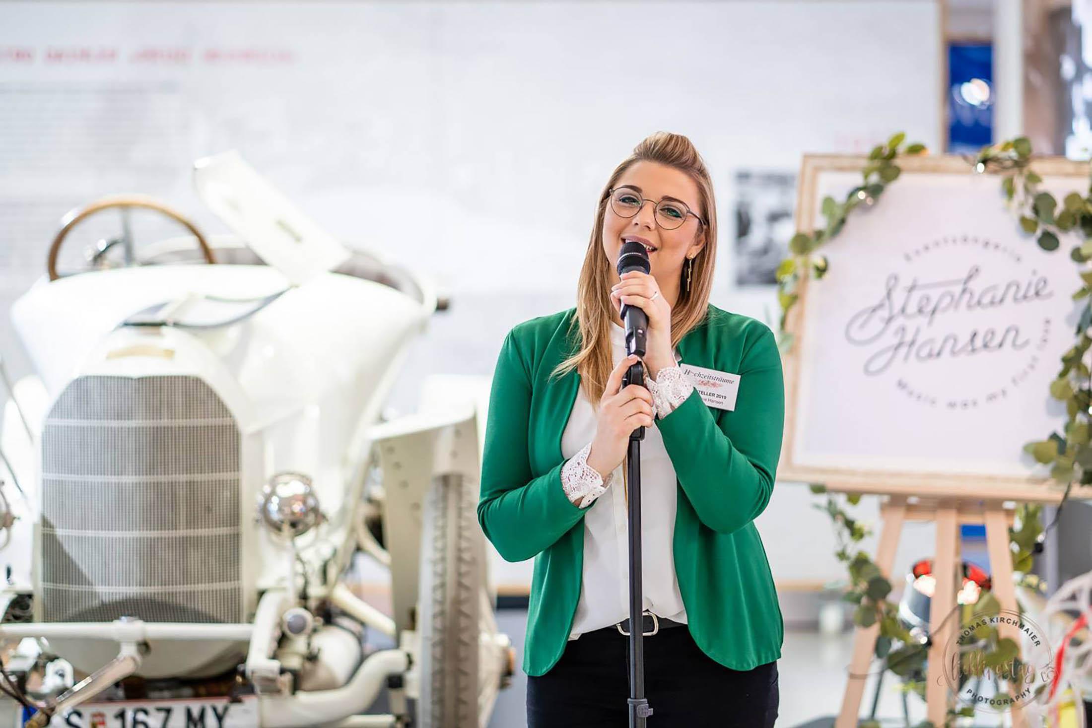 Hochzeits-Sängerin Stephanie Hansen