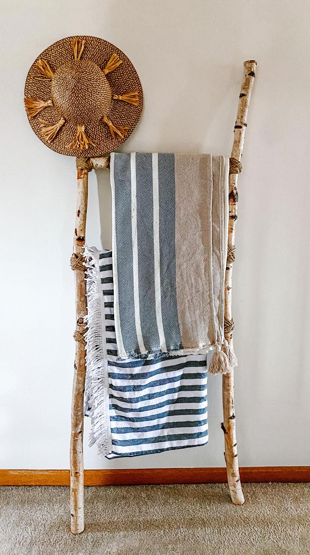 Diy Birchwood Blanket Ladder