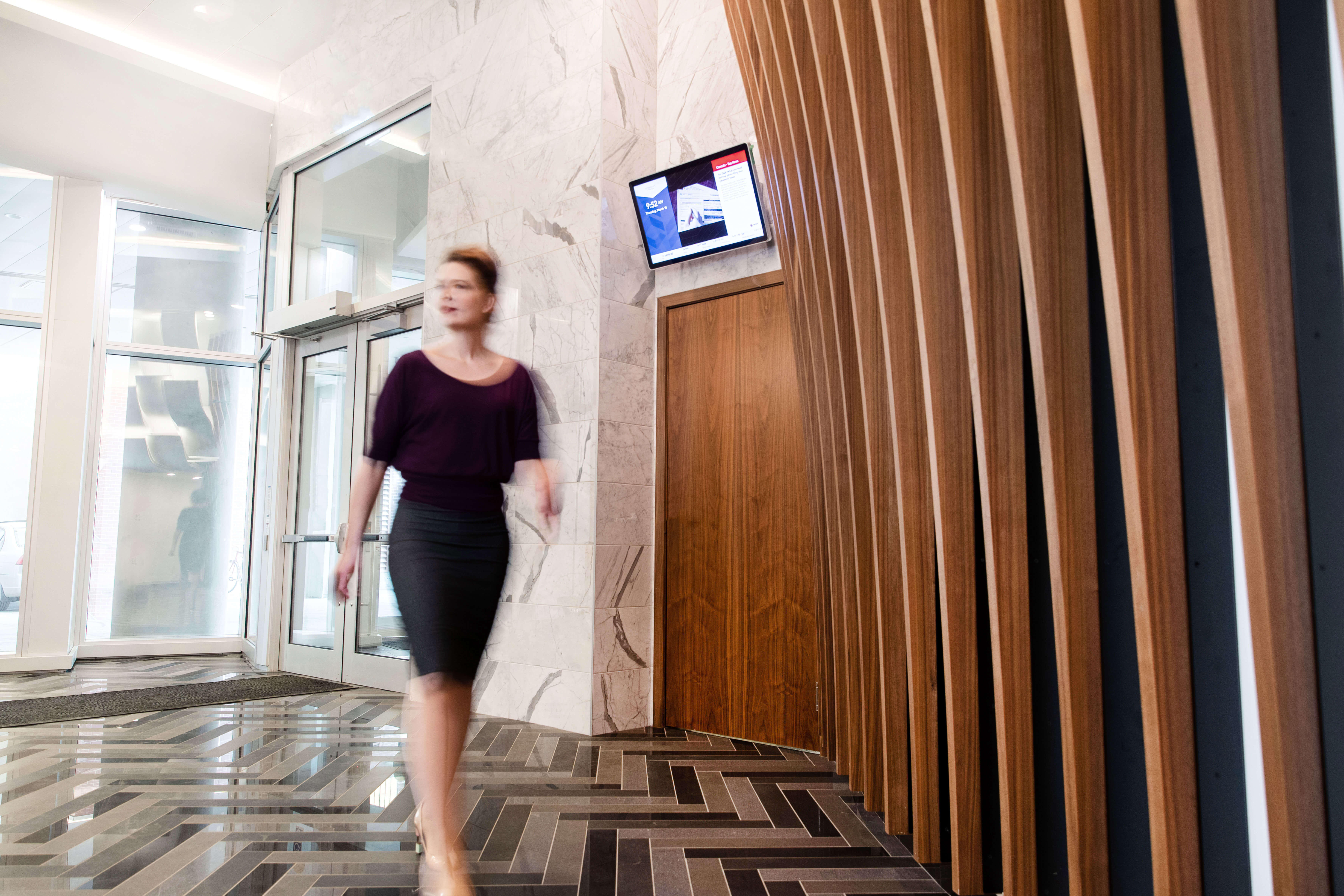 Vertical City - Lobby Screen + resident communication platform
