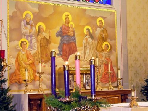 corona de adviento y la virgen maria con santos fondo