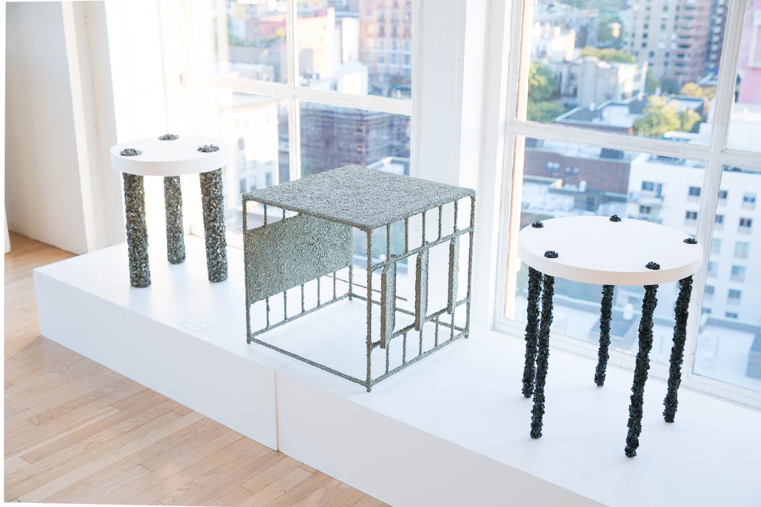 Samuel Amoia 5 leg tourmaline table made of black tourmaline from India and white plaster