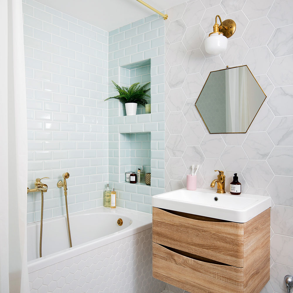 picture of a small bathroom