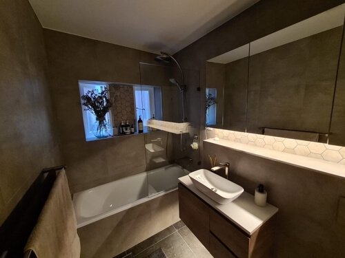 picture of a new complete bathroom renovation