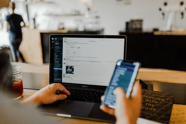 Laptop-mobile-app