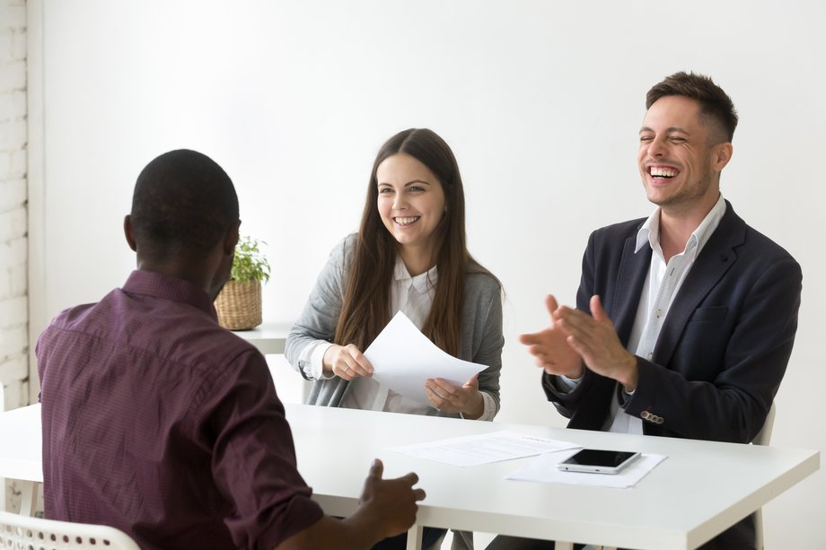 hommes-femme-reunion-recrutement
