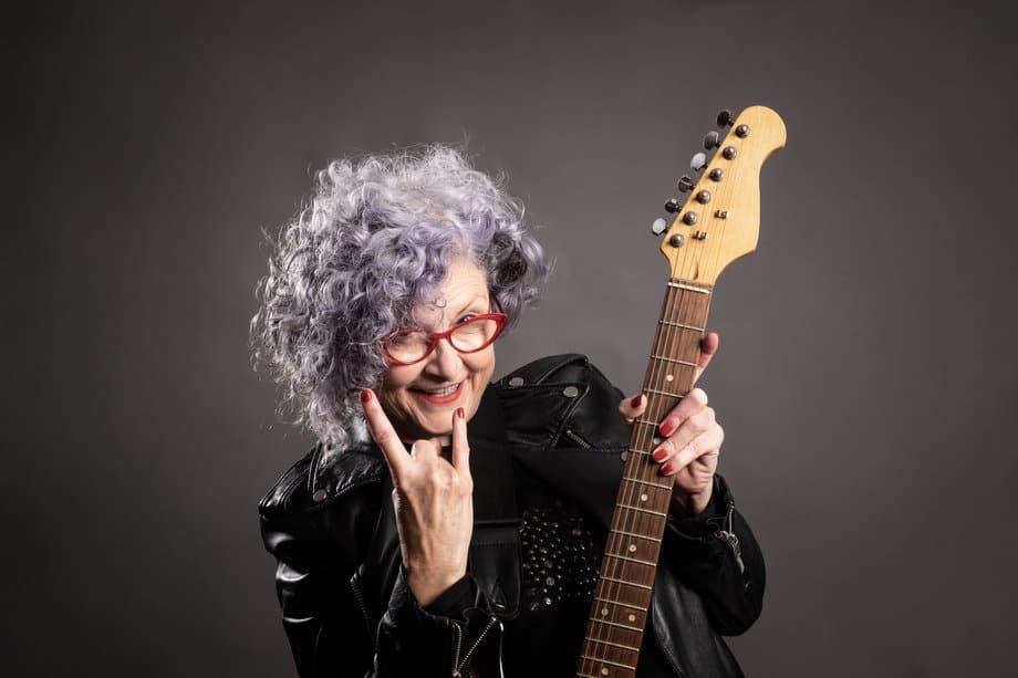 Grand mère guitare
