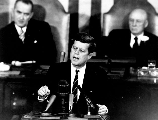 <strong>The Decision to Go to the Moon: President John F. Kennedy&#39;s May 25, 1961 Speech</strong> <strong>before a Joint S