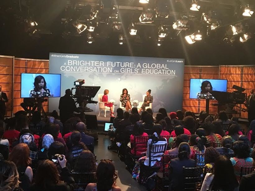 Washington DC, inside the Nuseum Studios- Mrs. Obama, Star Actress Yara Shahidi and Glamour editor-in-chief Cindi Leive engag