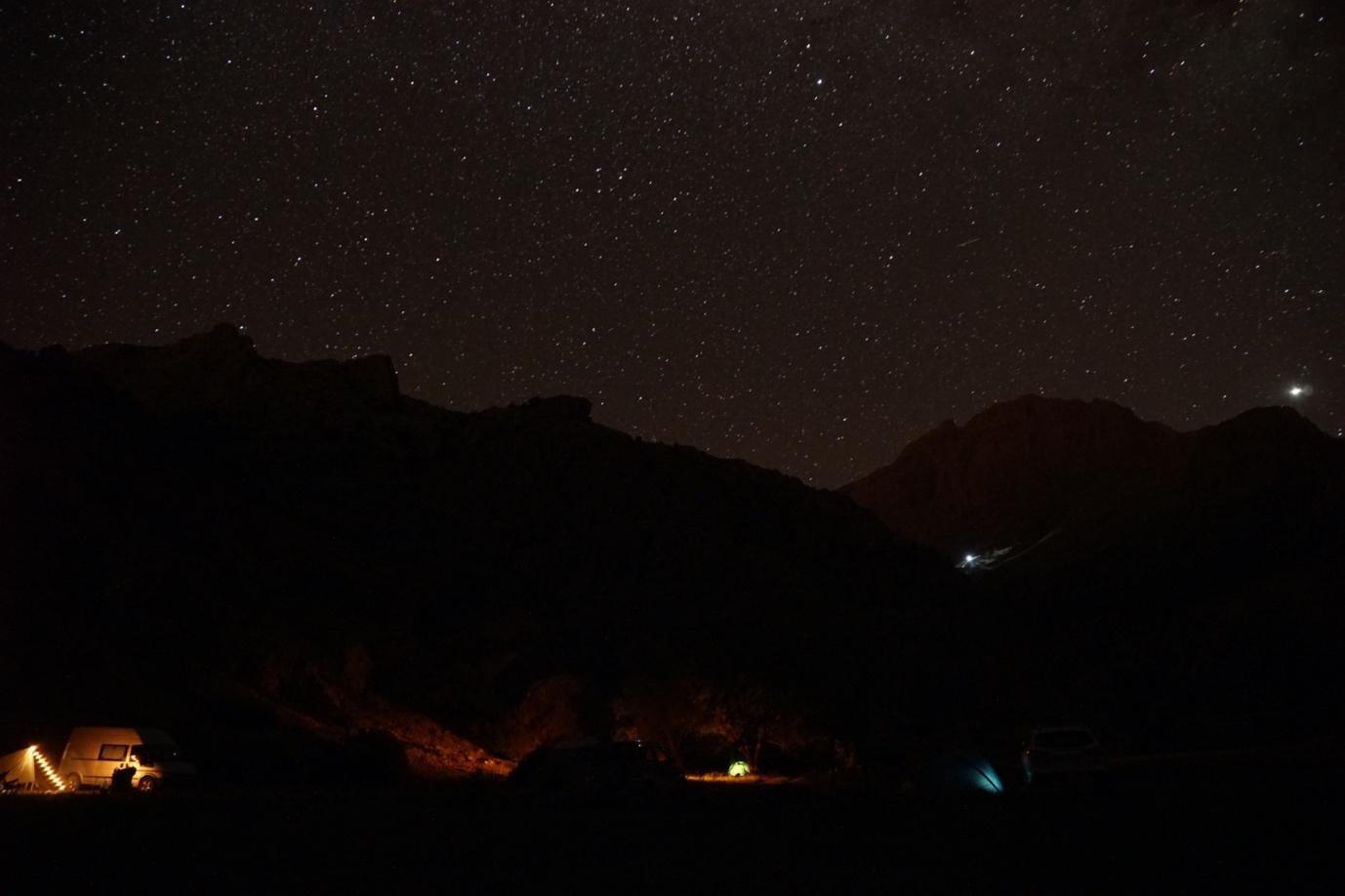aladağlar sarımemedin yurdu kamp alanı gece yıldız ve samanyolu