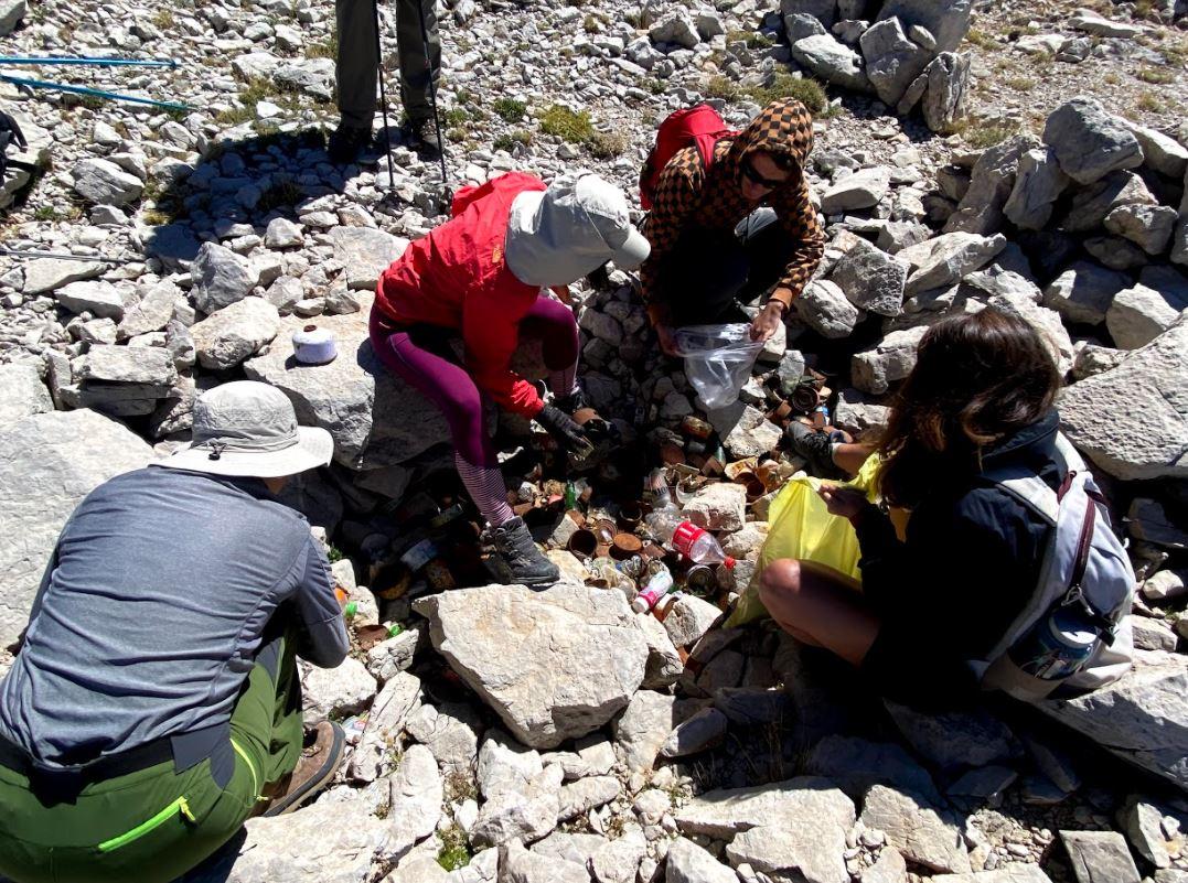 dedegöl dağı zirvede bırakılan çöpler