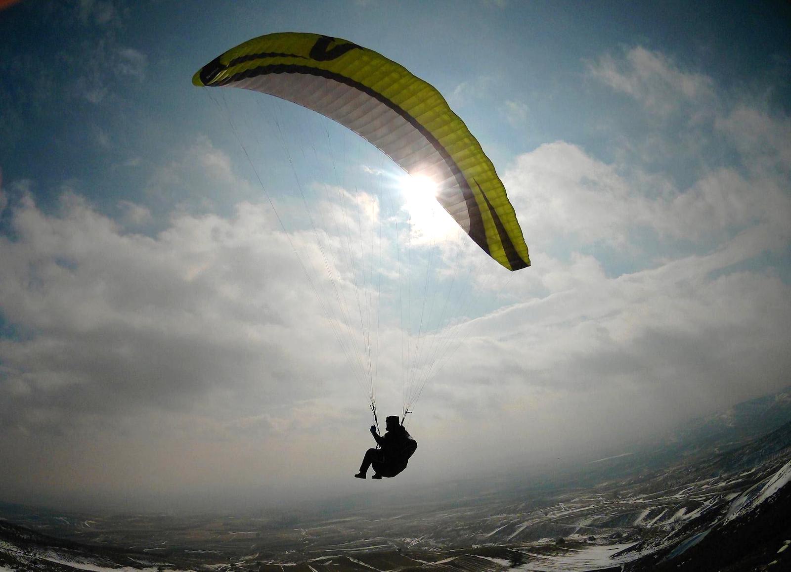 yamaç paraşüt uçuş