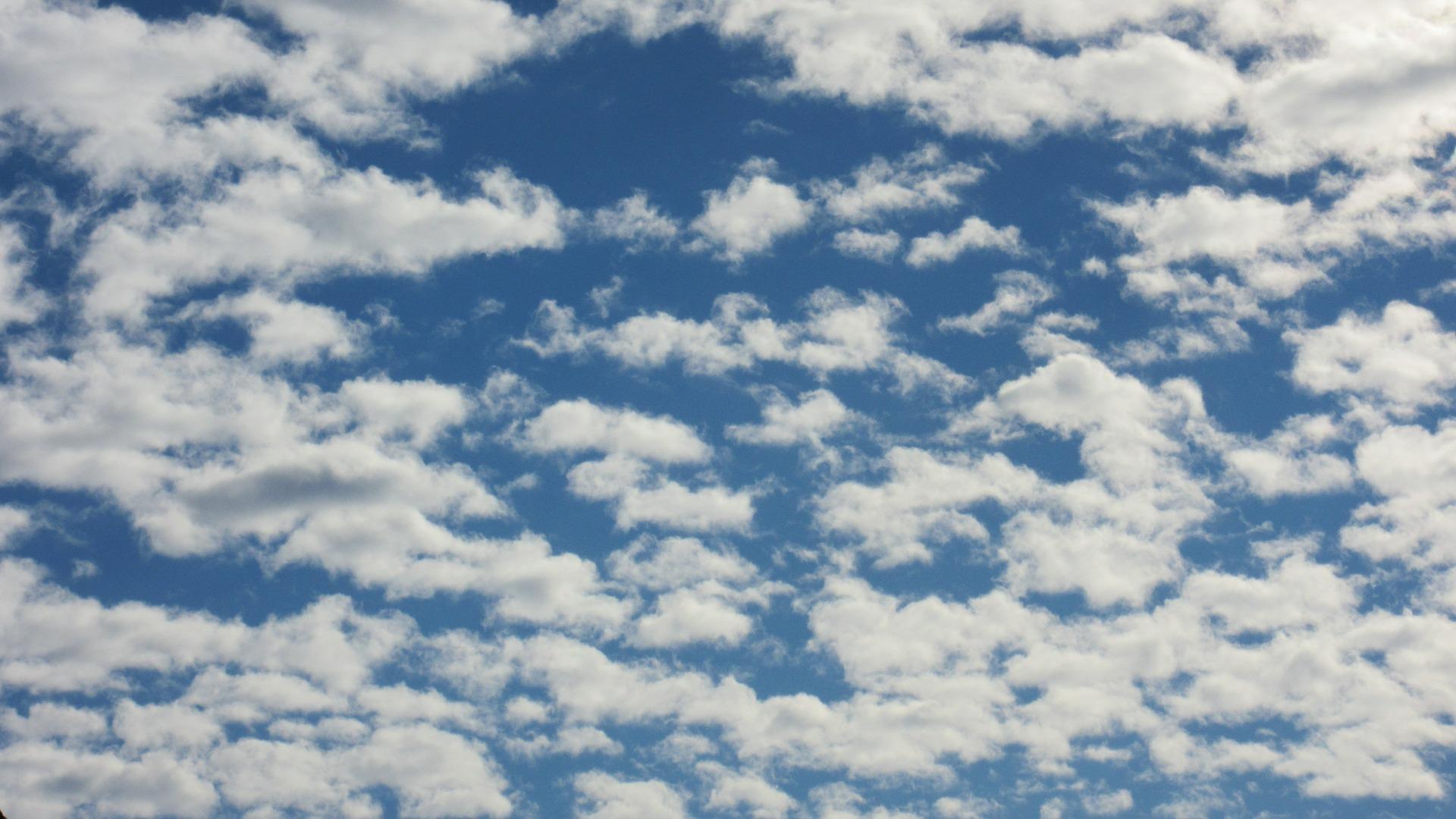 Altocumulus (Latince altum – yükseklik, irtifa ve cumulus)