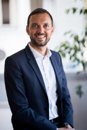Antonin Garcia fondateur de cart-fi et courtier en prêts immobiliers