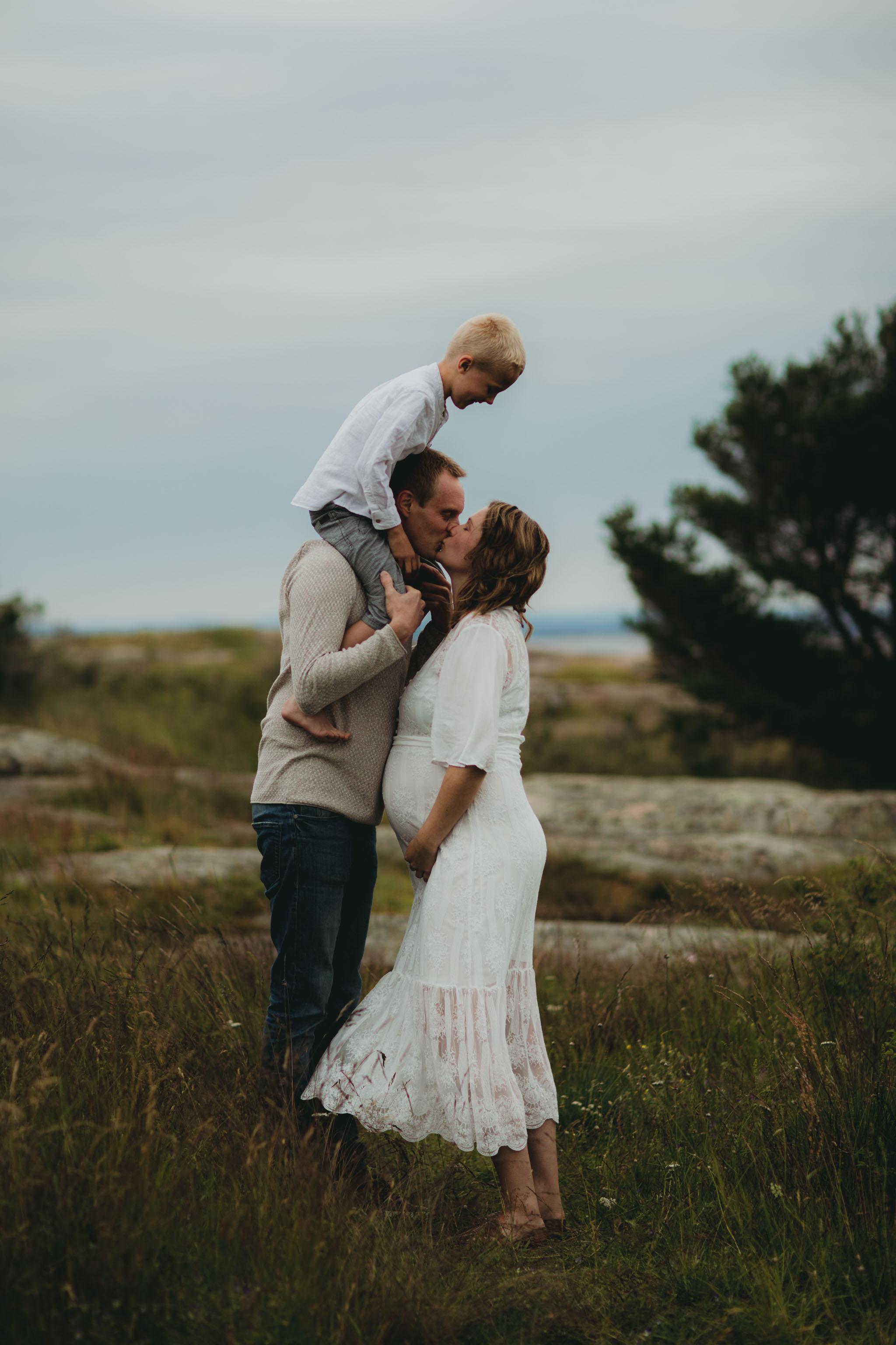 Gravidfoto - Familie i natur - Fotograf Ida Hvattum