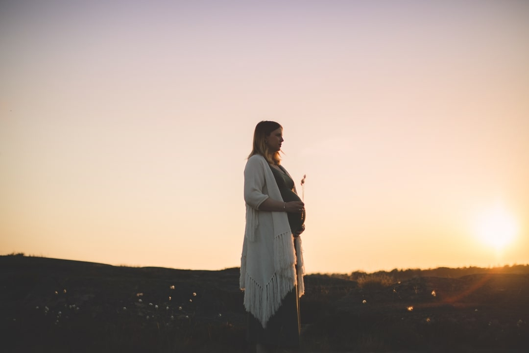 Gravidfoto - Solnedgang - Fotograf Ida Hvattum