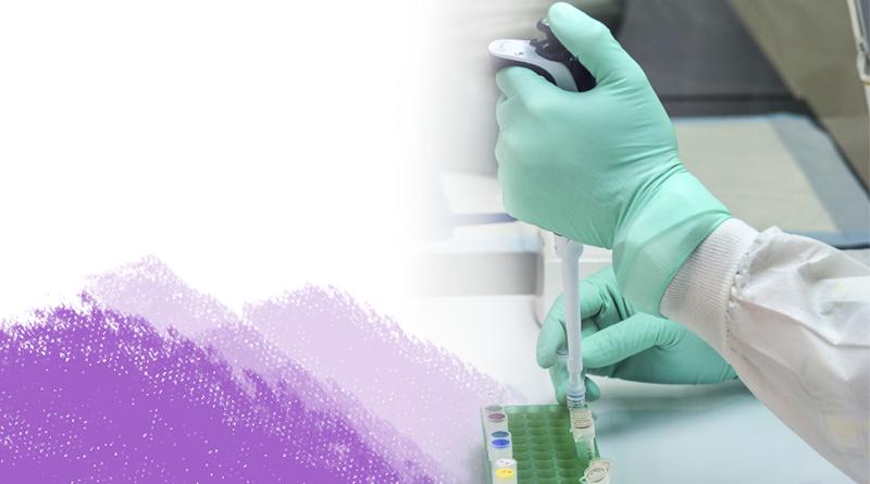 Cientista trabalhando em amostras