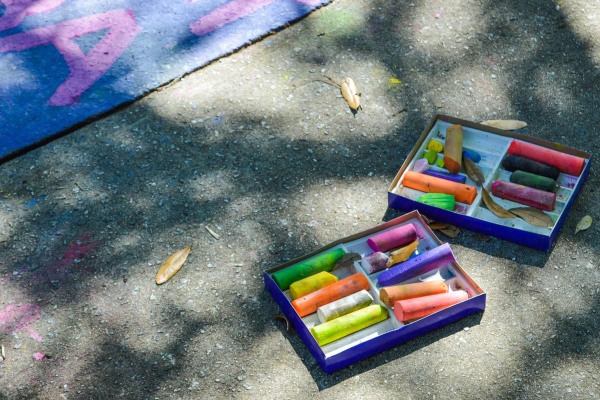 sidewalk chalk sets