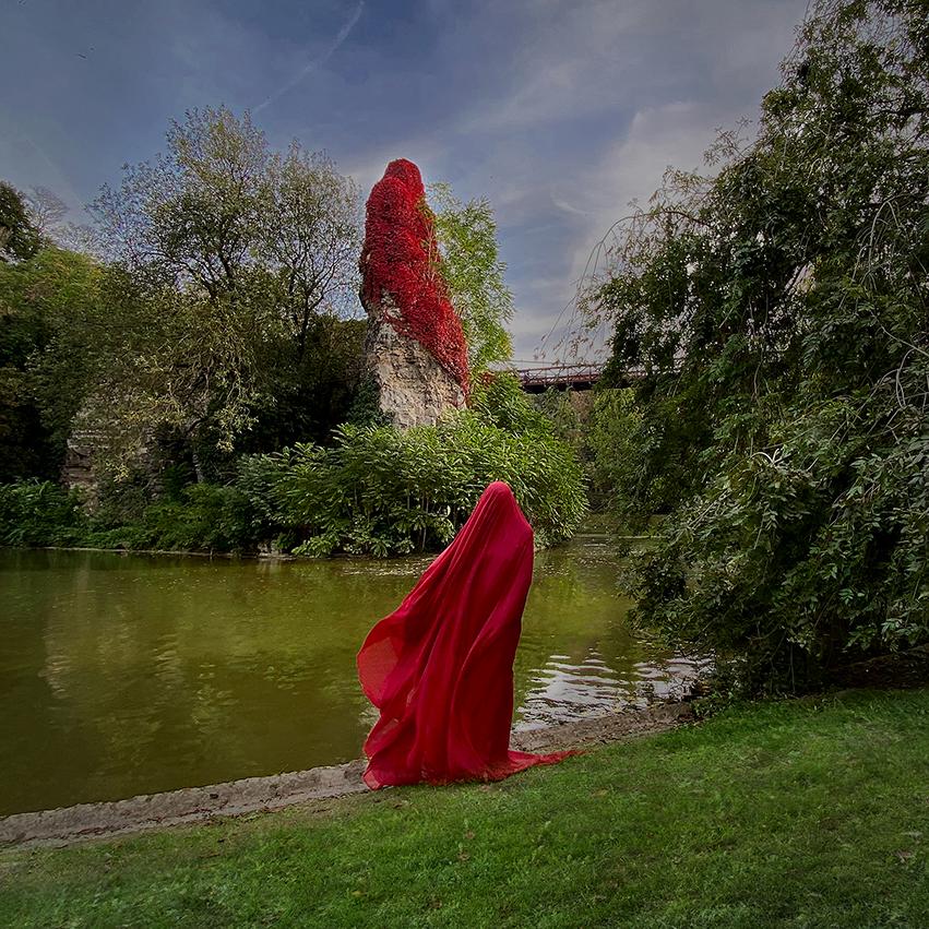 © Hélène Guétary (Paris, France)   Mimicking nature