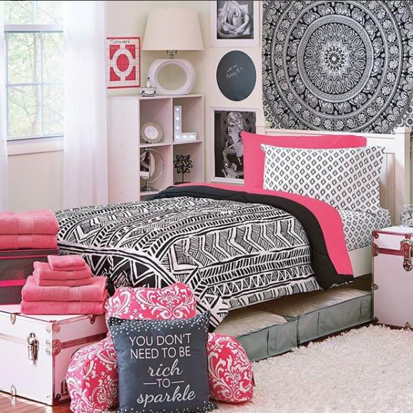 OCM Pink and Black bedding set