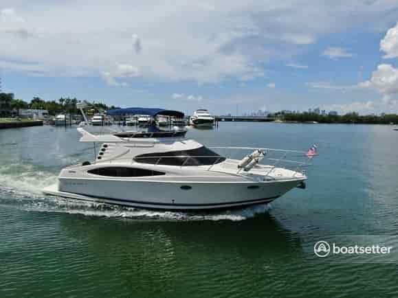 luxury yacht charter florida