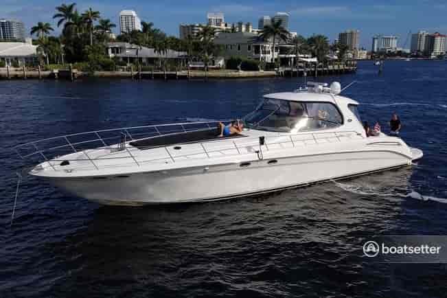 hire a boat for corporate events in Miami