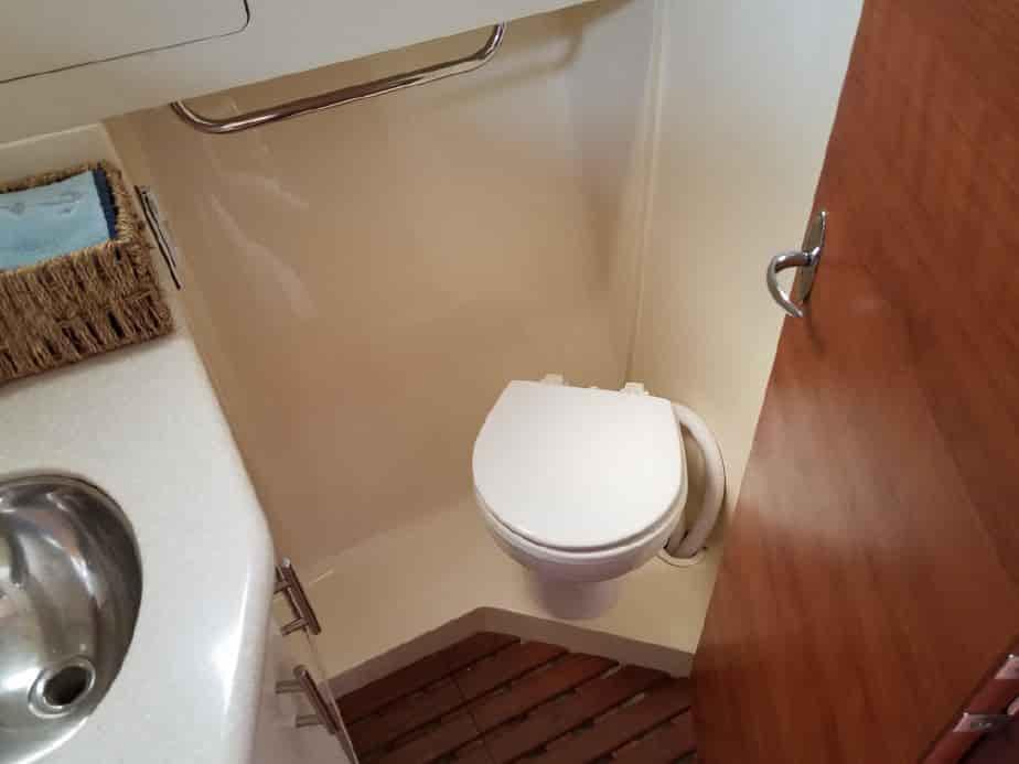 hunter e33 toilet