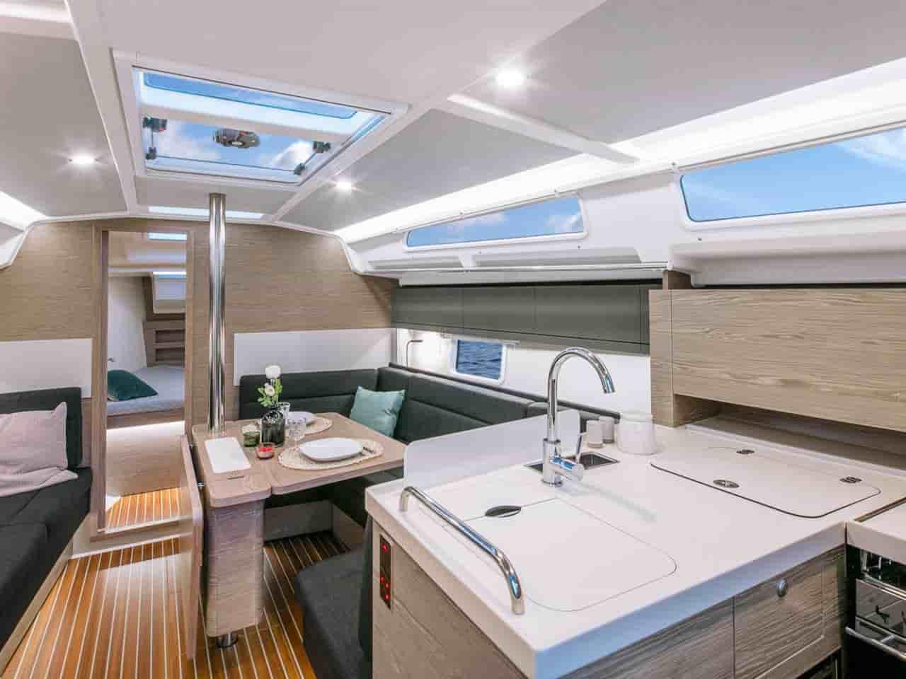 hanse 388  yacht