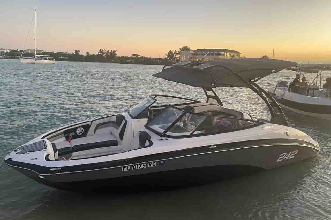 water boat rental miami