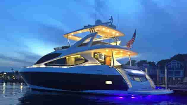 Yacht with cabins Miami Beach