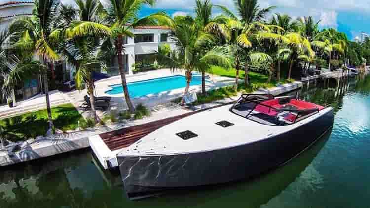 Motorboat Miami Beach 3
