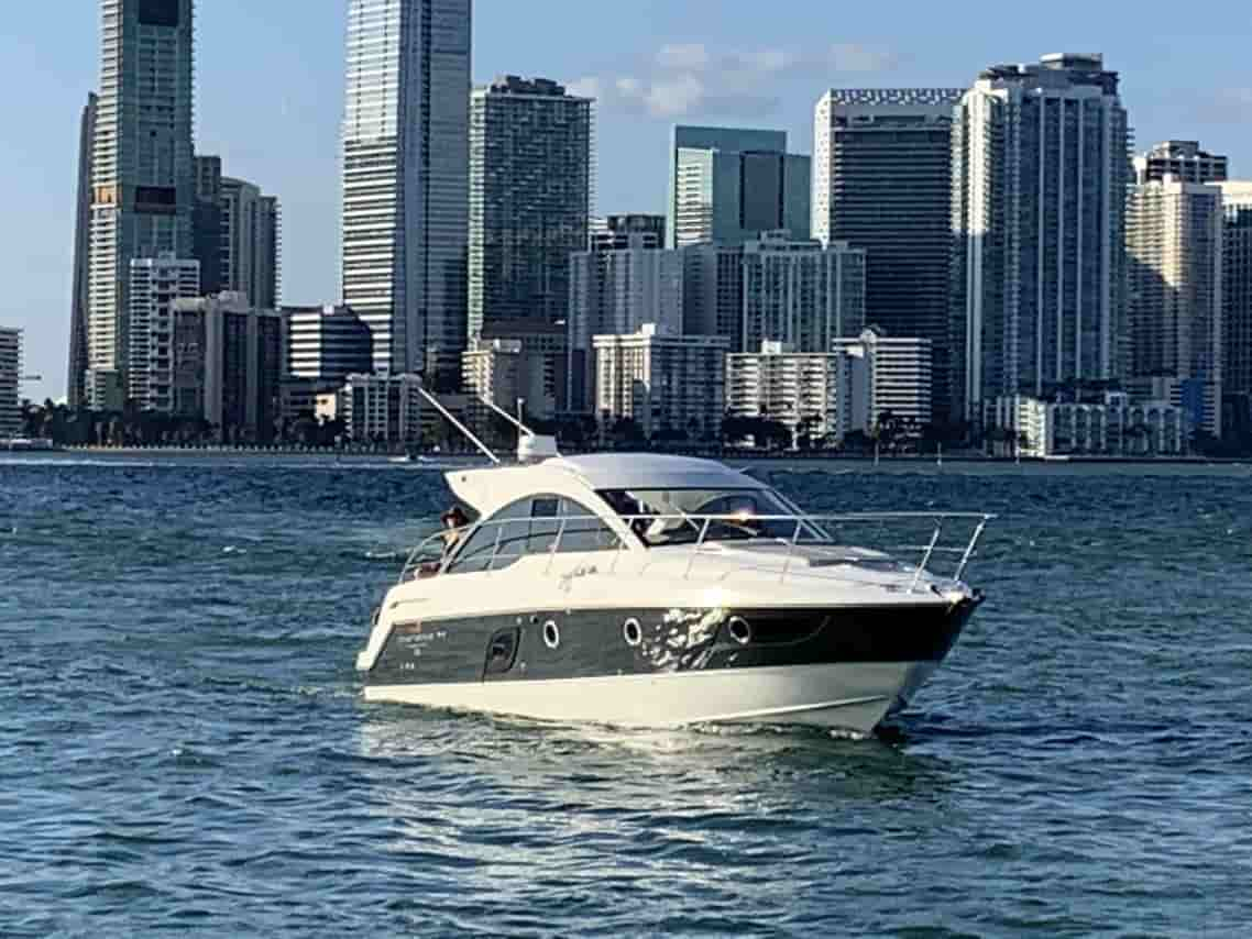 Yacht Key Biscayne