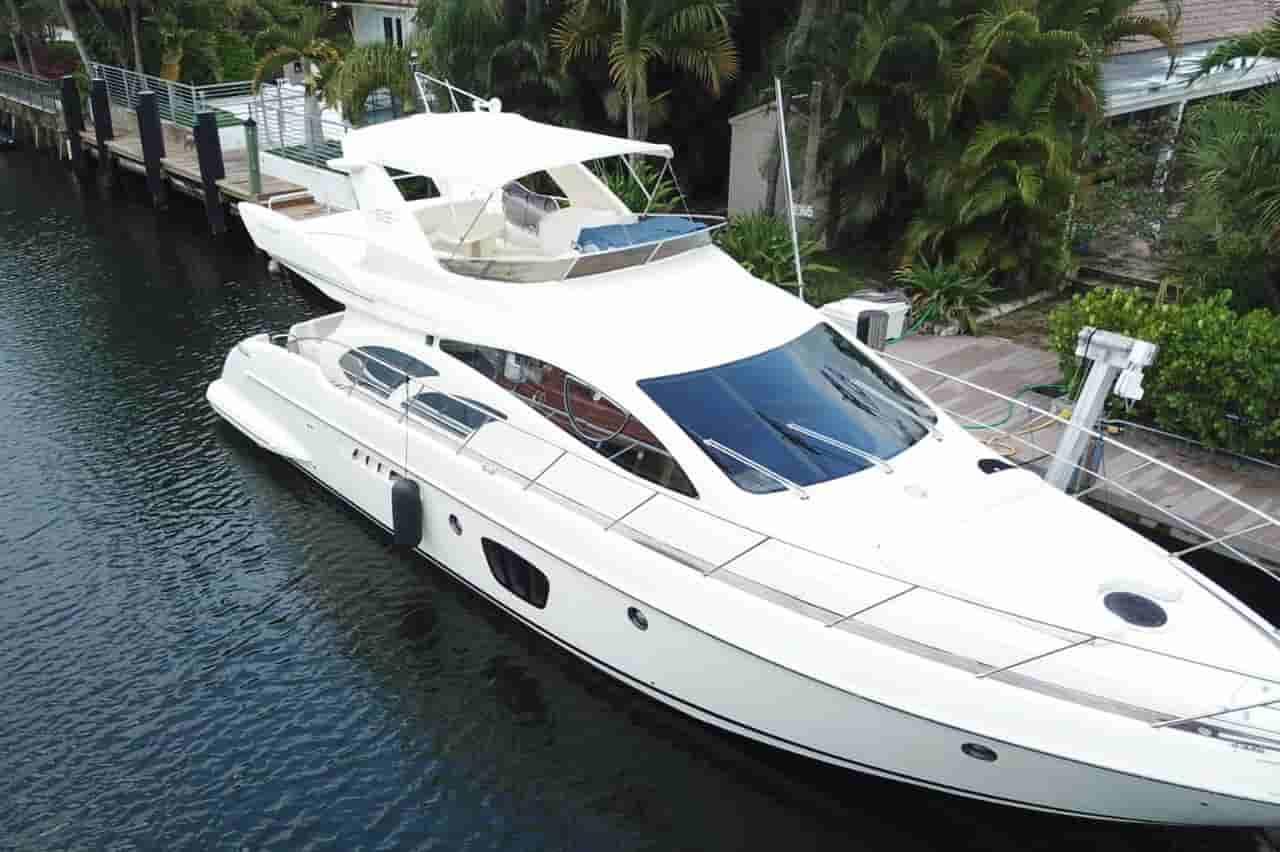 Yacht Sunny Isles Beach