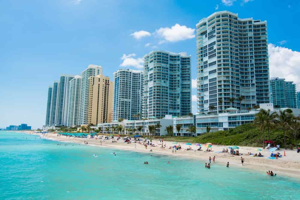 Boat rentals in Sunny Isles Beach