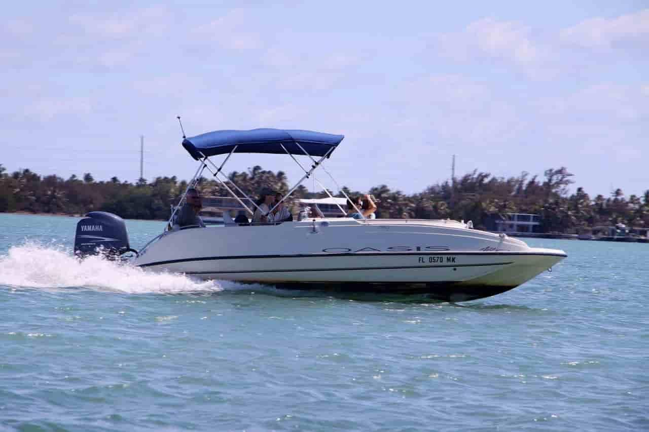 Yacht Islamorada 1
