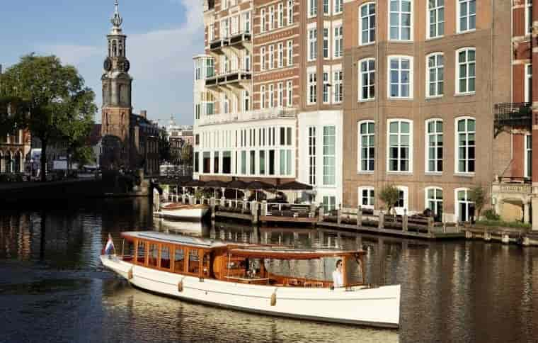 Pontoon Amsterdam