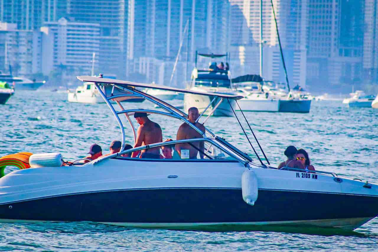 YAMAHA AR 230 Boat Miami