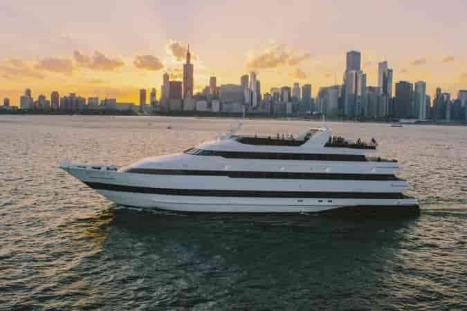 Motorboat Chicago 4