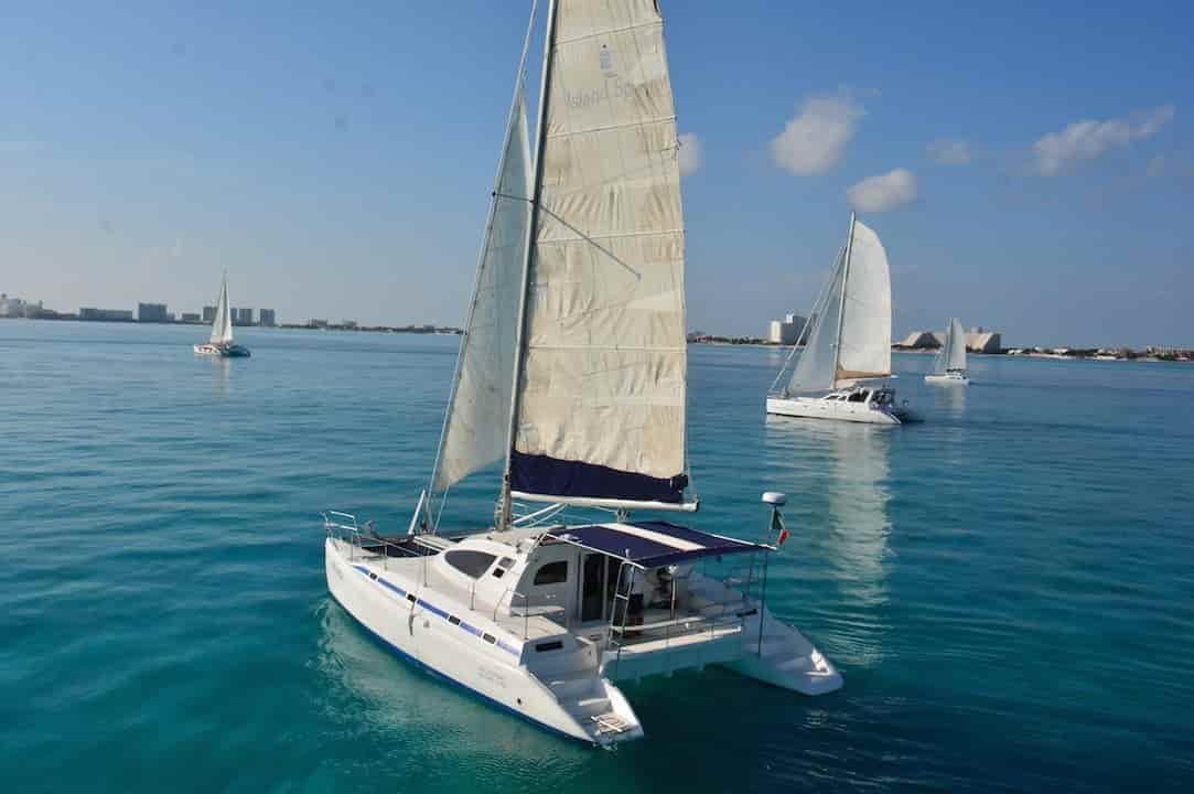 Sailboat Cancún