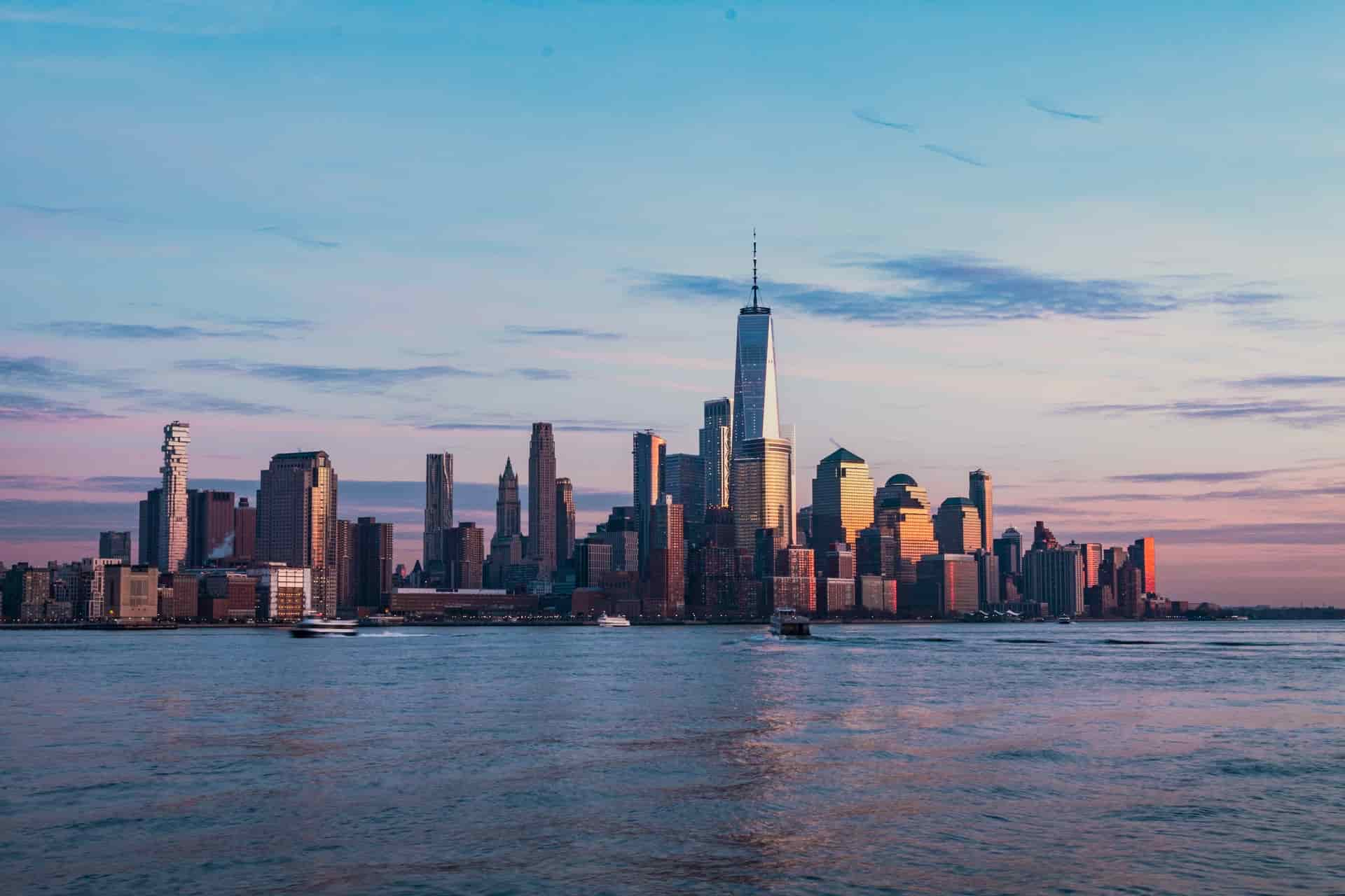 hire a boat or yacht in New York