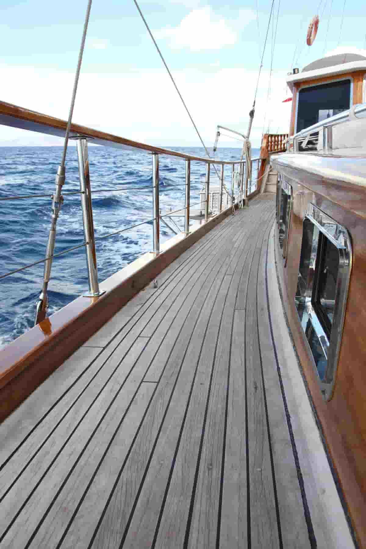 teak boat deck cleaning