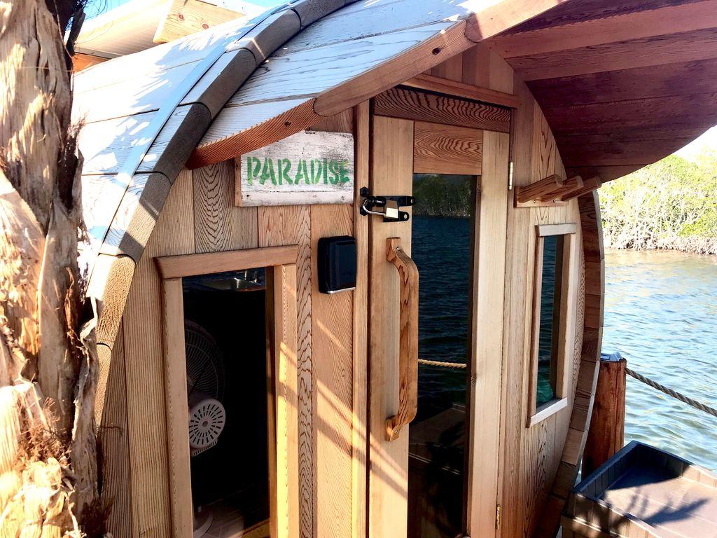 romantic houseboat rental