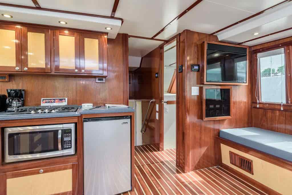 renting a houseboat