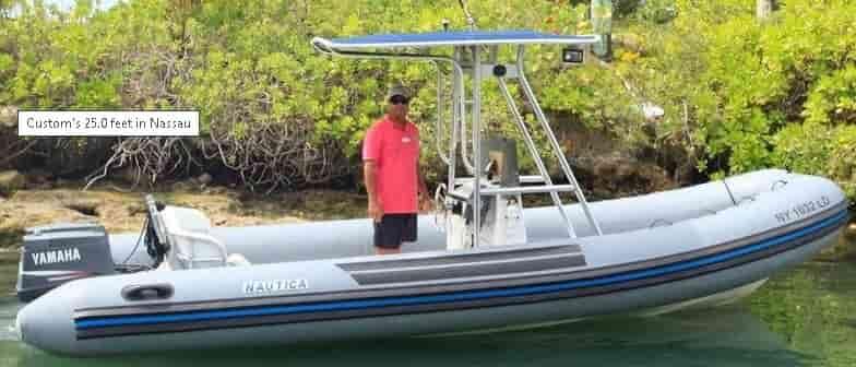 Motorboat Bahamas 5